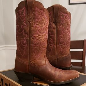 Ariat Round Up Square Toe Boots Size 7.5 Width B